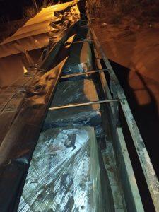 Carreta é apreendida com 32 toneladas de produto perigoso de sucatas de baterias
