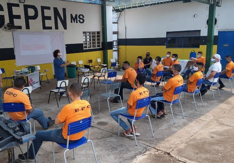 Equipe de Médicos sem Fronteiras reforça ações de combate à Covid-19 no Estabelecimento Penal de Corumbá