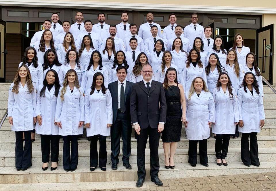 """""""Espero motivar mais pessoas a acreditar na educação"""", diz médica indígena formada pela UEMS"""