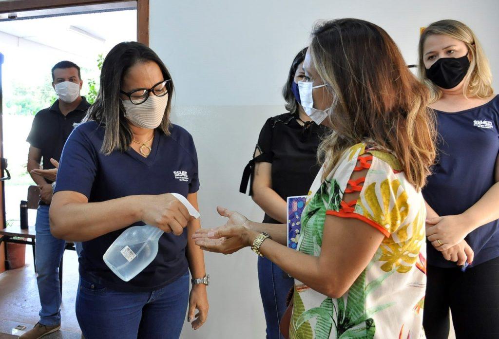 Diretores de escolas da Reme passam por treinamento com técnicos da SESAU