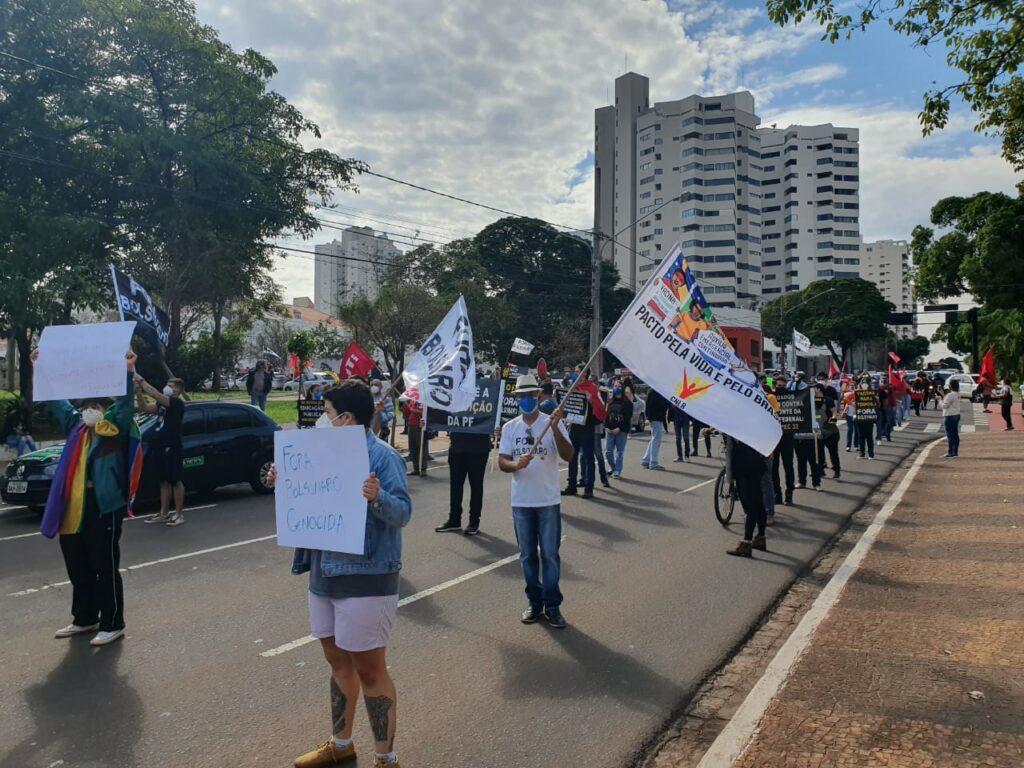 Campo Grande também vai as ruas contra Bolsonaro 'genocida' e por mais vacinas