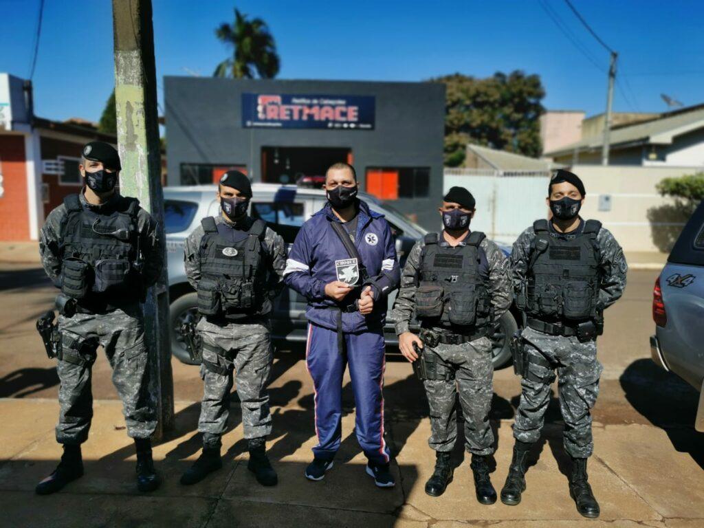 Vítimas de acidente se reencontram com policiais do Choque que as salvaram