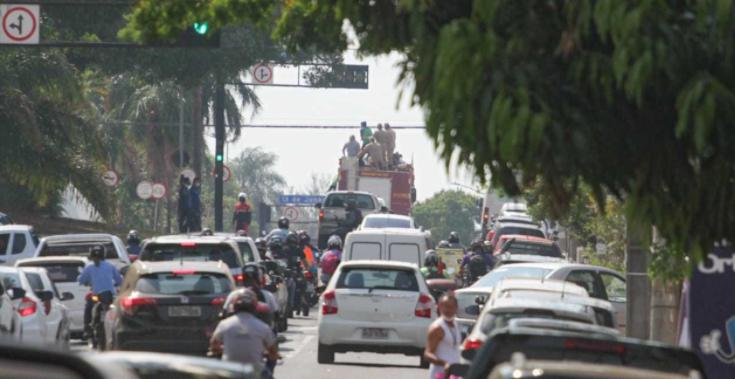 Yeltsin Jacques é aclamado e homenageado nas ruas de Campo Grande