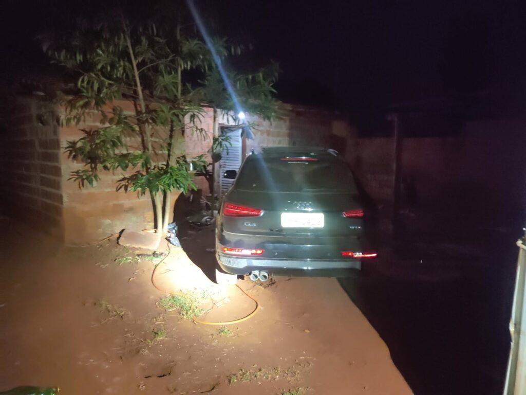 Criminosos roubam residência, levam mulher e pedem resgate de R$ 50 mil na Capital