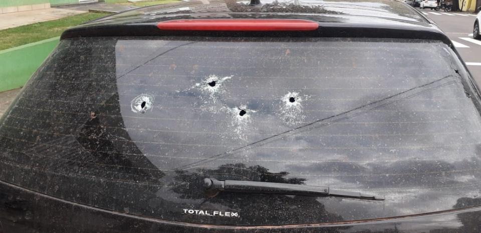 Dupla armada de fuzil e submetralhadora morrem em confronto com Choque