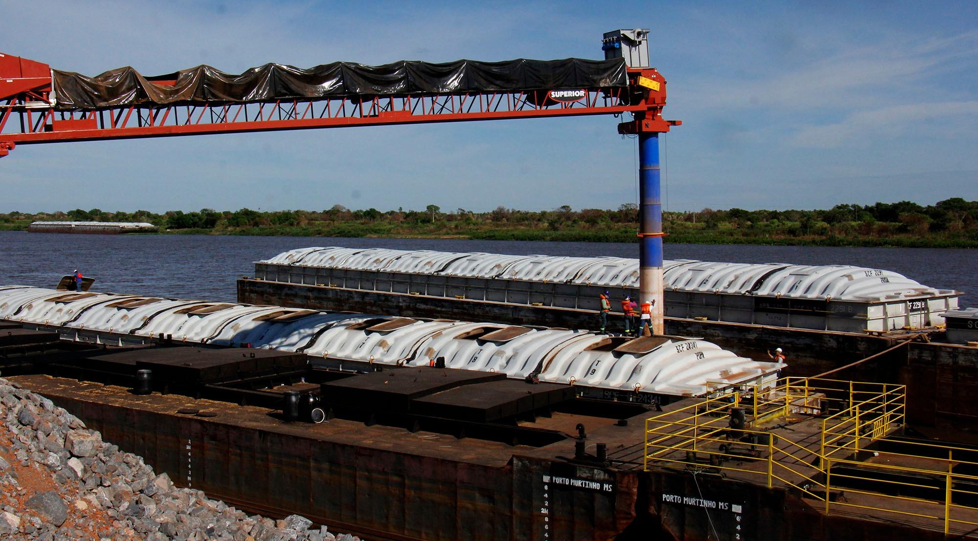 Comboio com 29 mil toneladas de soja sai esta semana do porto da FV Cereais com destino a Argentina. Chico Ribeiro