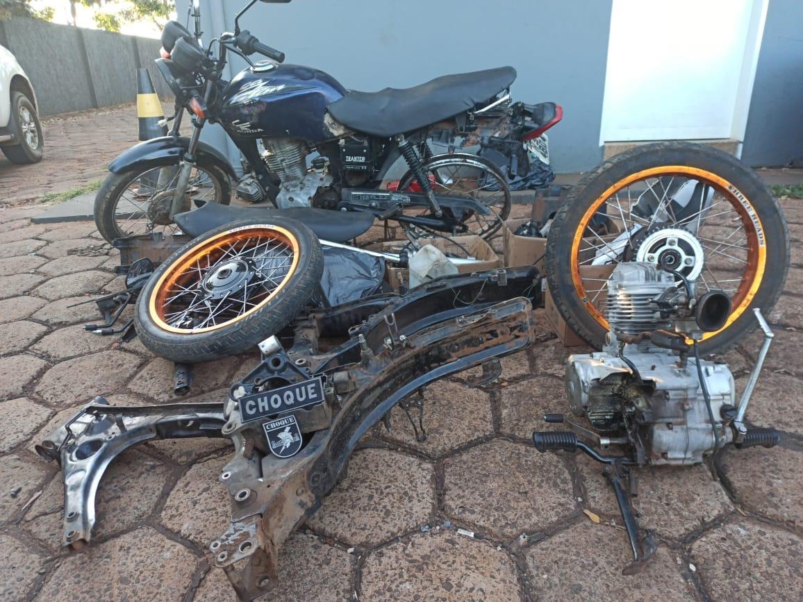 Cinco são presos pelo Choque por furto e receptação de motos