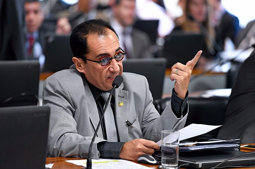 Doenças que mais matam no Brasil são passíveis de rastreamento, argumenta Kajuru. Edilson Rodrigues/Agência Senado
