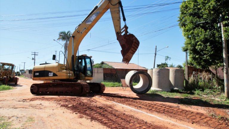 1º trecho da drenagem no Nova Lima tem início e receberá 20 km de asfalto