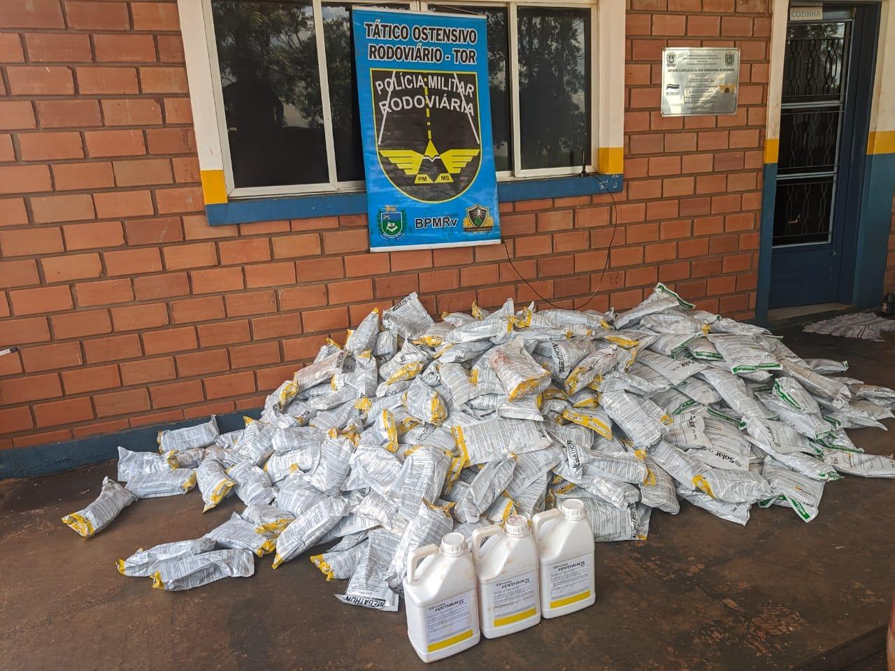 Mais de R$ 1 milhão em agrotóxicos contrabandeados são apreendidos na BR-463