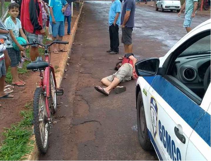 Homem foi detido e amarrado por populares. Foto: Divulgação
