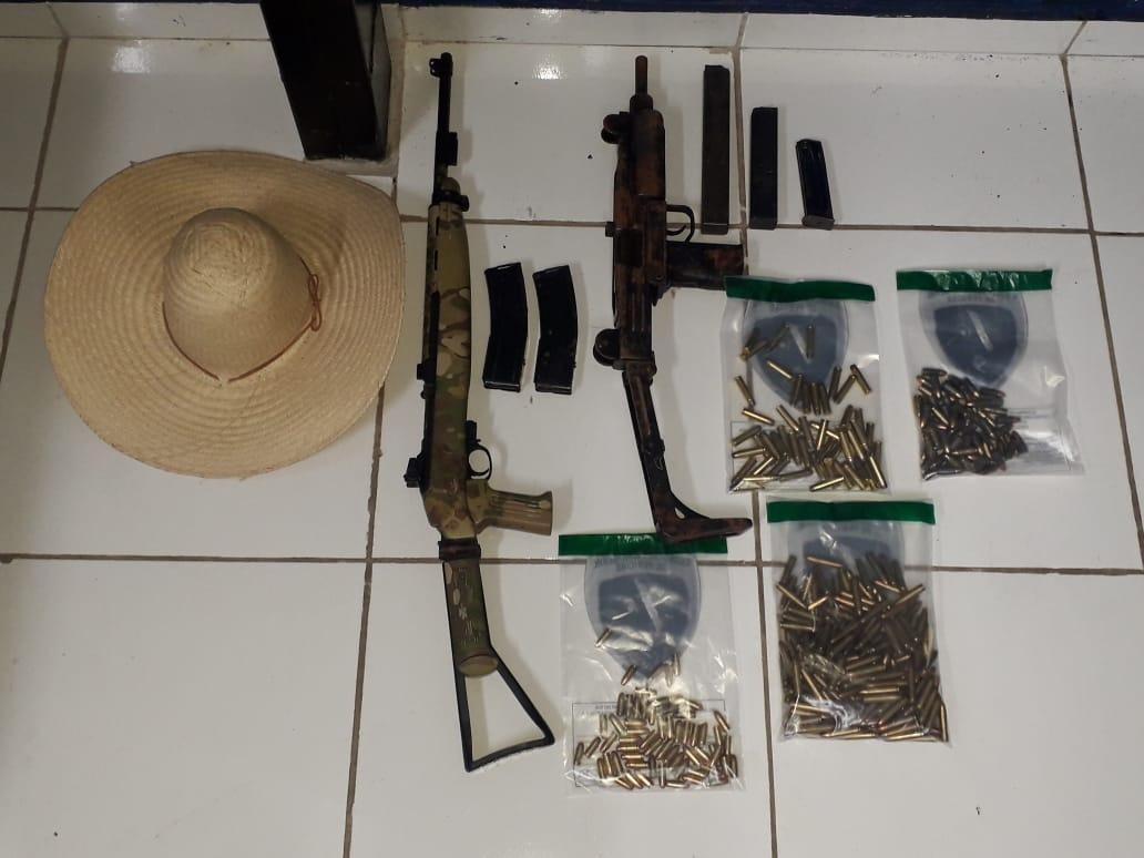 Armas e munições apreendidas com a dupla no Polo. Divulgação/Choque