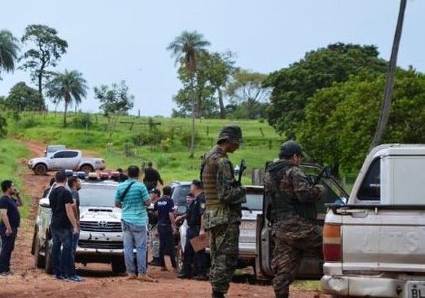 Grupo armado da fronteira sequestra fazendeiro e família