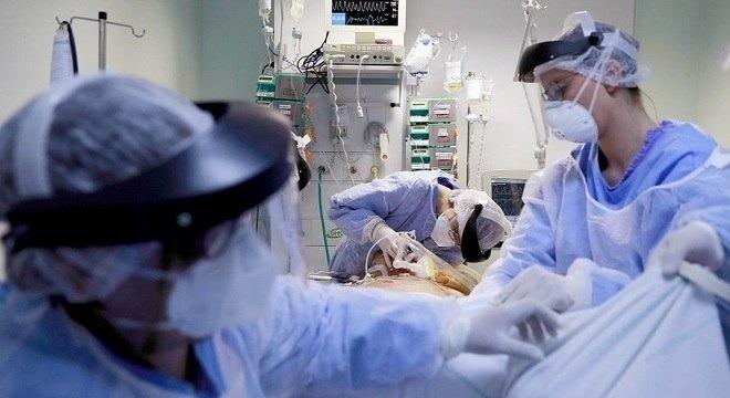 Mortes causadas pela covid-19 passam de 152 mil em todo o mundo Diego Vara/Reuters